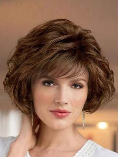 Layered Fine Hairstyle for Over 50 Women 6