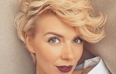 72 Best Short Hairstyles for Fine Hair over 50 Years Old fa034727a0e92ce761b6eeffd3aaa7b8-235x150