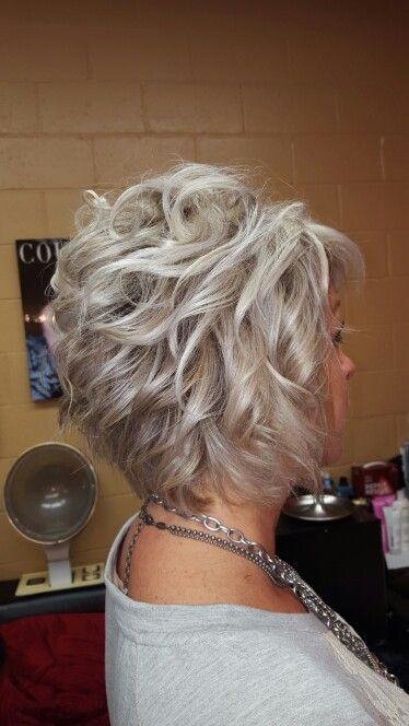 hairstyle tips for women over 60