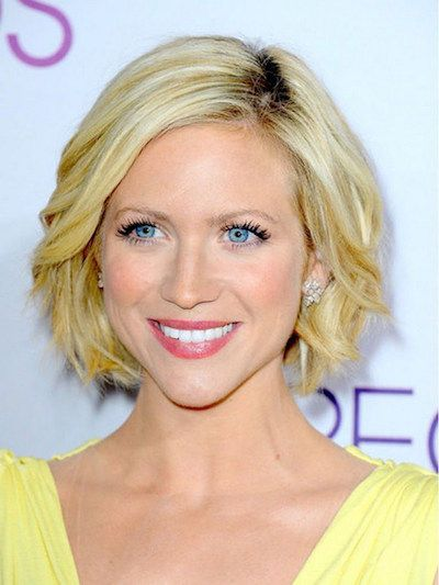25 Short Haircut Styles that Make You Look Way Younger (Updated 2021) Feathered-bob