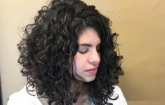 Short Curly Hairstyles 2019 with Different Fun to Offer and Look the Best Every Day 20186515e5f4caedf7952a8083b8f5bc-235x150