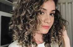 Short Curly Hairstyles 2019 with Different Fun to Offer and Look the Best Every Day 526f9fb9d6b0da2ead2d672f7e624a05-235x150