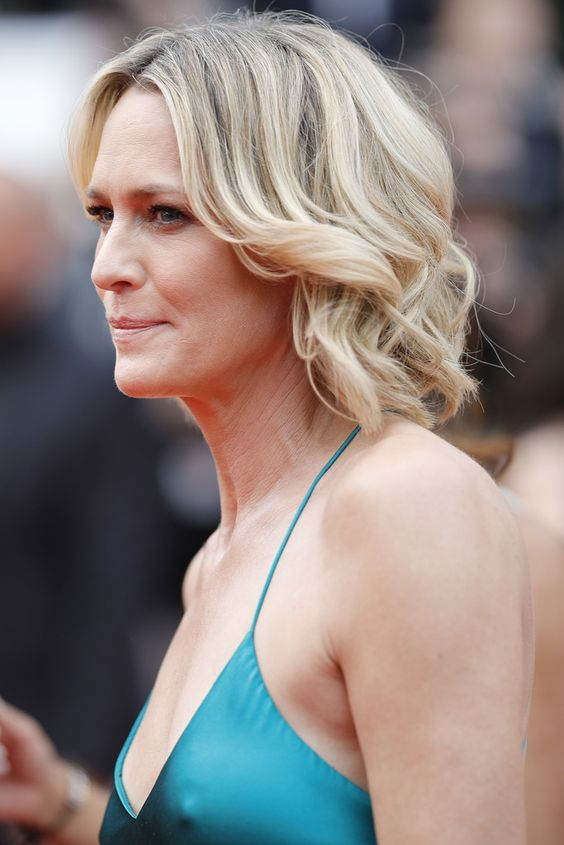 Hairstyles for Women Over 50 in 2019 for Inspiration Before Your Next Salon Visit