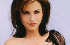 Courteney Cox Hairstyles to Style Your Hair and Beautify Yourself Like An Actress 8b7850b005c9dc25e5154e758ffff8f6-235x150