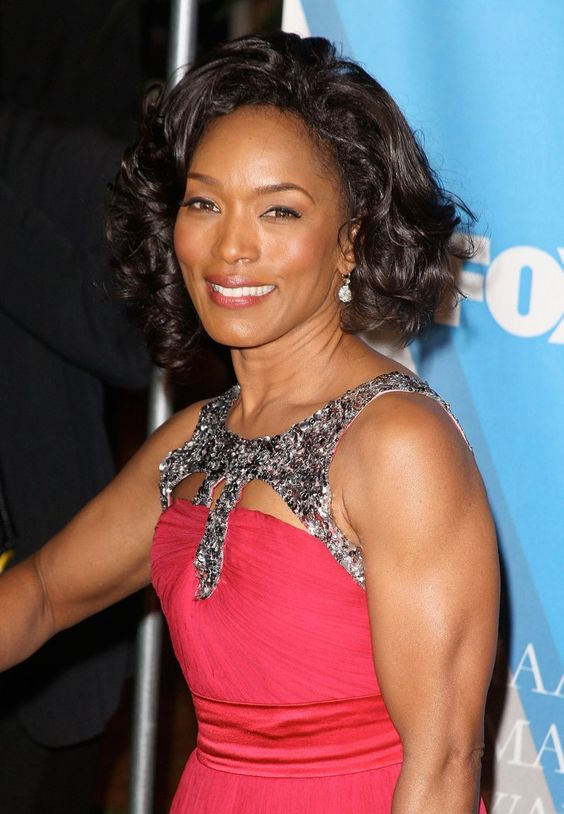 Angela Bassett Hairstyles As Inspiration to Consider for Women with Darker Skin Tone 8c0aee09dc84599ed39f3152baeb8fcd