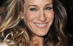 Sarah Jessica Parker Hairstyles to Get the Idea of How to Style Stylish Long Hair Yourself 27dd4bf6c4fdc754ac989f3a83ea893d-235x150
