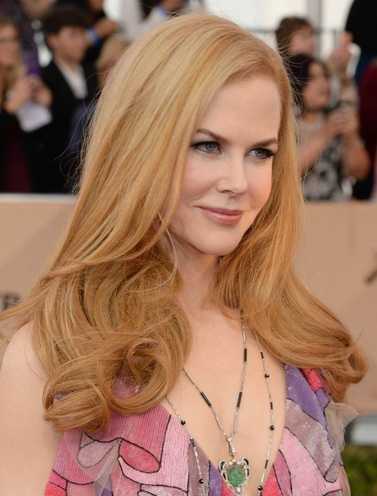 Nicole Kidman Hairstyles to Pretty Up Yourself and Look Your Best Through the Days 2b6fb256fba9d90778825816a6801bcc