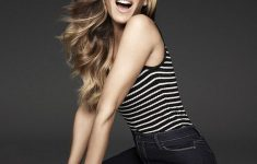 Sarah Jessica Parker Hairstyles to Get the Idea of How to Style Stylish Long Hair Yourself 7a2dcd2efde1947abeb9e01e2430999b-235x150