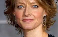 Jodie Foster Short Haircut for Women with Short to Medium Hair Length to Consider 8d4aee6e09abebb69d784de71801ab3a-235x150