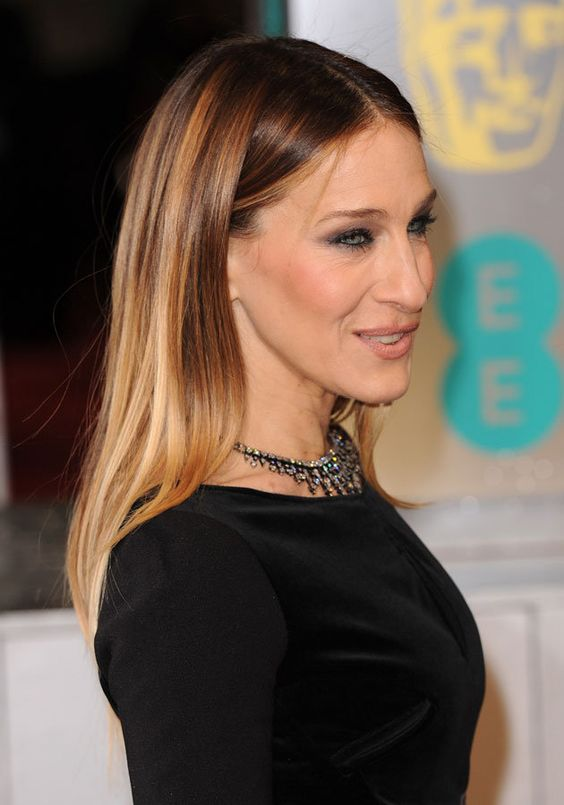 Sarah Jessica Parker Hairstyles to Get the Idea of How to Style Stylish Long Hair Yourself b06ad7b1d1f9e1fdaa50575484fe3532