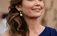 Diane Lane Hairstyles to Get You As Stylish and Fashionable As Her Even in Your 50s