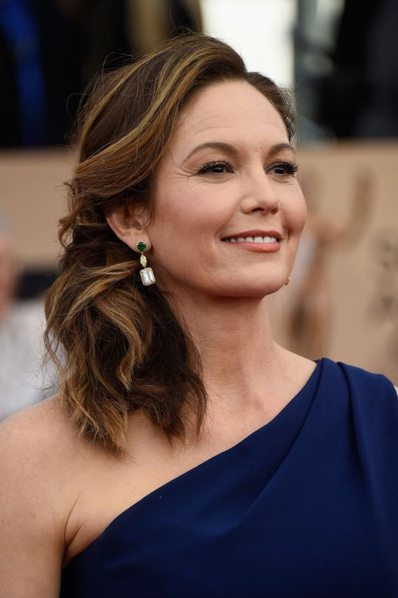 Diane Lane Hairstyles to Get You As Stylish and Fashionable As Her Even in Your 50s ce3017e6e799f53d4691988d915302a9