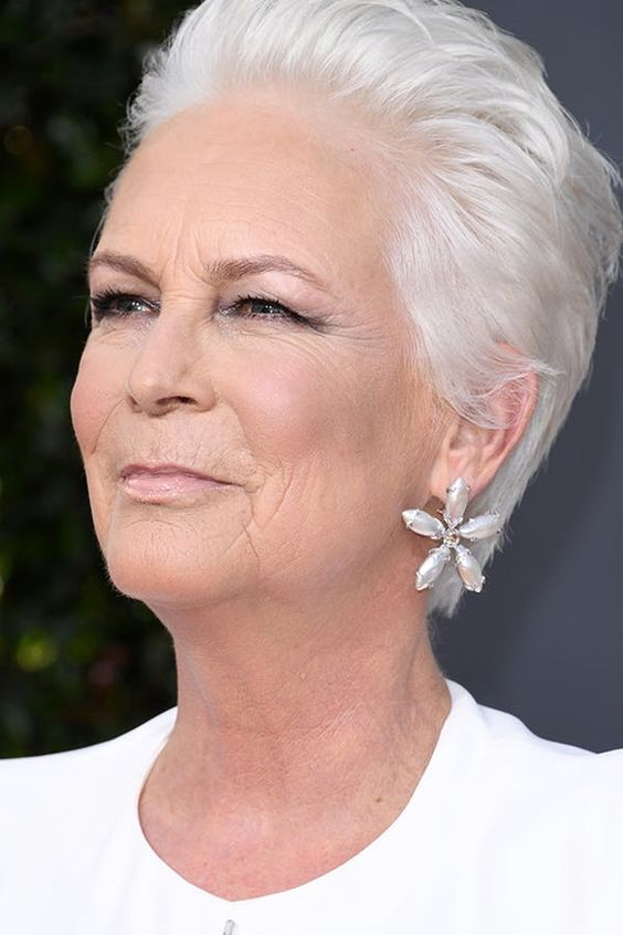 Jamie Lee Curtis Haircut for Real Short Hair Length to Style on Yourself at Your Old Age 9241b5659a61f600c2dd4cf5bd0b5522