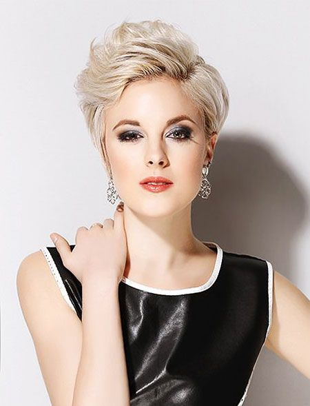Curly Pixie Cut for Pleasant Way of Cutting Your Hair Short and Still Make It Look Stylish 140e976677247f76b6d44c303eb864b4