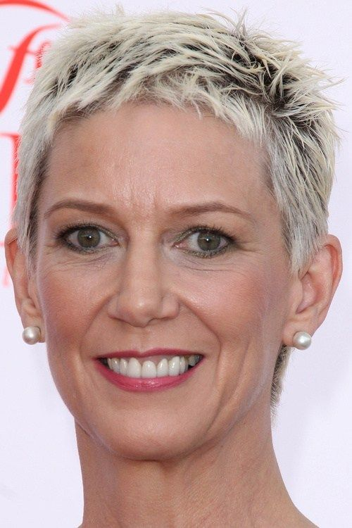Easy and Sassy Short Spiky Hairstyles for Older Women to Get Youthful and Flattering Look 3c69637dbcbe4d2556238d527b56b38f