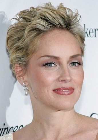 Easy and Sassy Short Spiky Hairstyles for Older Women to Get Youthful and Flattering Look