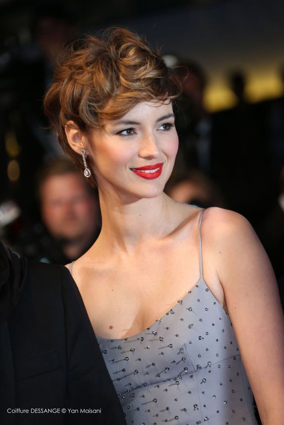 Curly Pixie Cut for Pleasant Way of Cutting Your Hair Short and Still Make It Look Stylish a2433ea5f2539cd319ba1dd9c09c4a60