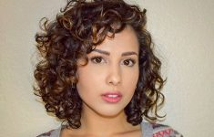 8 Best Short Curly Hairstyles That Never Gets Old 80e807b5ce10d498fe7db93f45693fe4-235x150