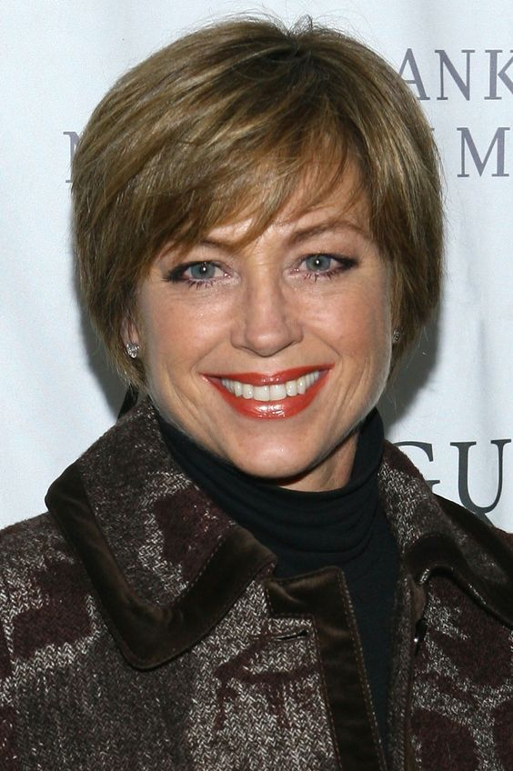 Dorothy Hamill Feathered Hairstyle