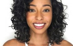 8 Best Short Curly Hairstyles That Never Gets Old 8165fa60505bb72ef5fc294024eddc0e-235x150