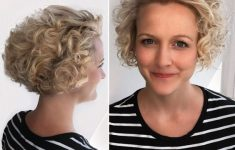8 Best Short Curly Hairstyles That Never Gets Old d362e6b2b11b2c60f1ab1329d00fc203-235x150