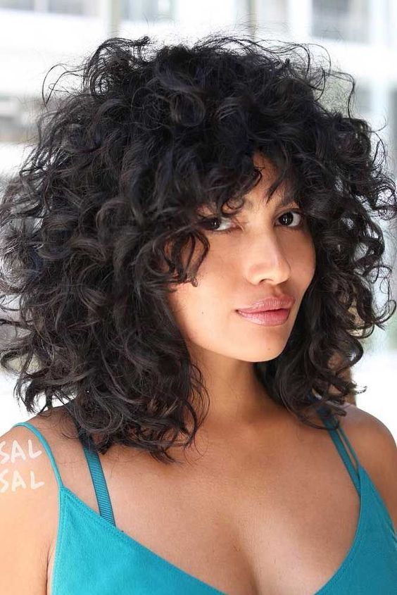 8 Best Short Curly Hairstyles That Never Gets Old f6352269123a45140195f5e8ca80e1aa