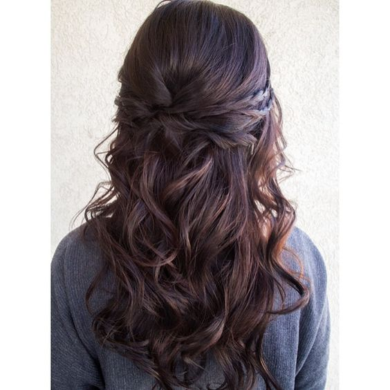 Crossed and Wavy Half Updo