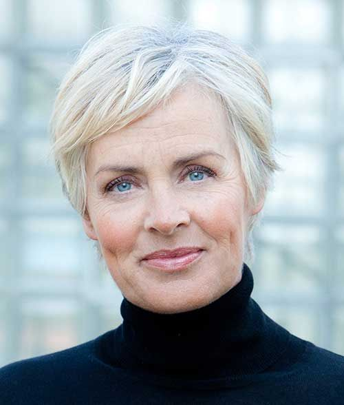 Short Haircuts for Mature Women for Charming and Elegant Look to Show Off f94153b4bf8497d2cd3212d9db34c231