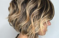 5 Gorgeous and Easy Short Wavy Hairstyles for Women that You Can't Miss 199c6306250cf39c372cf18e1a3cf788-235x150