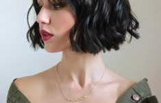 5 Gorgeous and Easy Short Wavy Hairstyles for Women that You Can't Miss 411dc41d259e3fe13625502ade999267-235x150