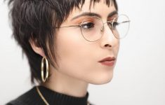 6 Different Hairstyles for Women with Glasses that Looks Perfect 0aba2ab41328d55243898195bd5e15ea-235x150