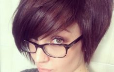 6 Different Hairstyles for Women with Glasses that Looks Perfect 184d9631e2bee222c3a3b59462e4b593-235x150