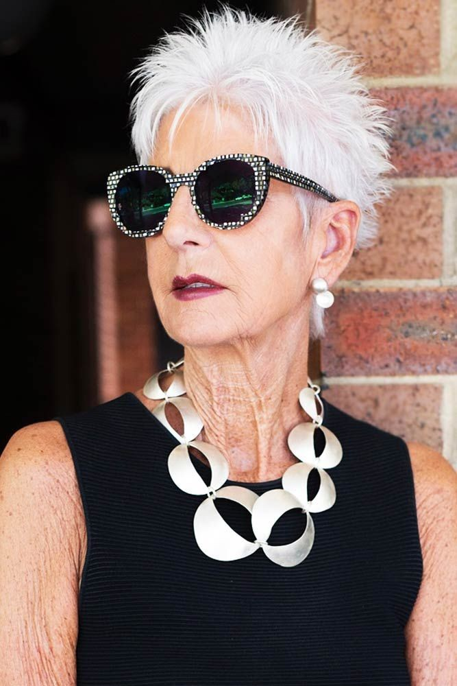 6 Short Spiky Haircuts for Older Women to Look Younger