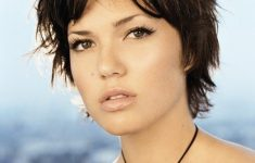 7 Best Pixie Haircuts for Young Women in Any Ocassion 4c161bad1ecdb9da0c8ed6e5b607f3d4-235x150