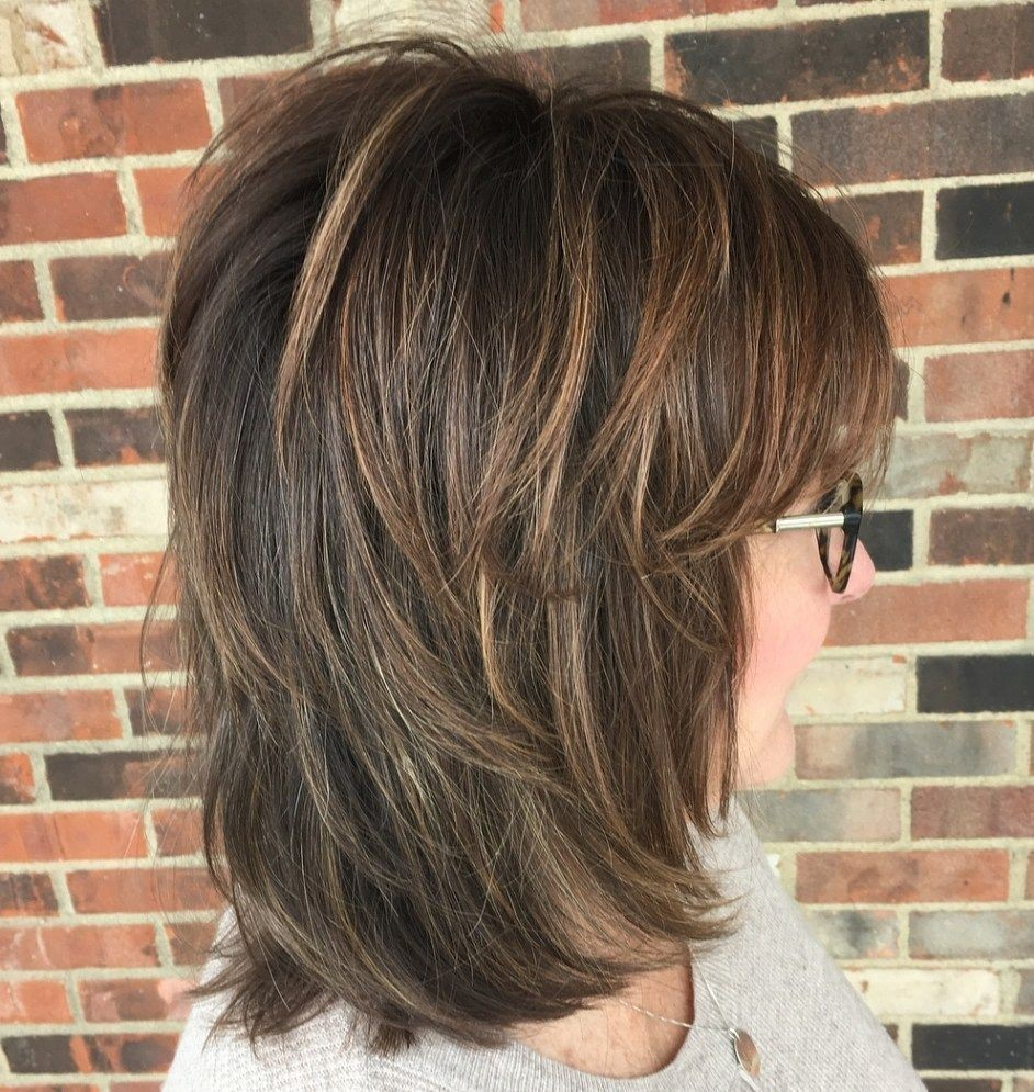 Neck-length Shaggy Hairstyle with Blunt Bangs