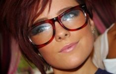 6 Different Hairstyles for Women with Glasses that Looks Perfect 60e97ecd5b78576553dd8a56166c3f2a-235x150