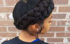 5 Awesome Short Braids Hairstyles for Black Women that is Easy to Do 9e1ed2b6cfd8a3065f16017b9b2b7595-235x150