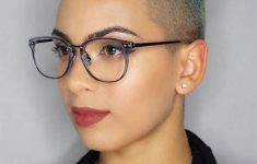 6 Different Hairstyles for Women with Glasses that Looks Perfect d24e9e49e77e112f4ac82b85129a261a-235x150