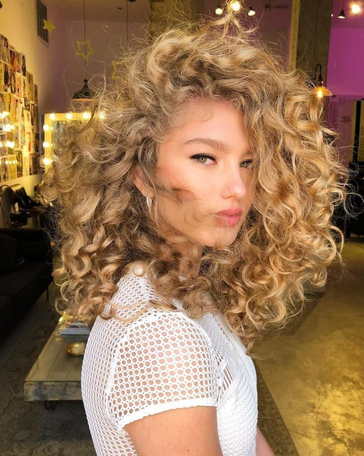 6 Most Beautiful and Simple Medium Hairstyles for Thin Hair for Women