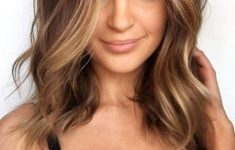 6 Most Beautiful and Simple Medium Hairstyles for Thin Hair for Women f82aaf6384f38fbb8e32eb12aa1715d8-235x150