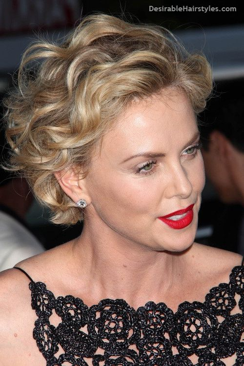 short wavy hairstyles for women over 60 3