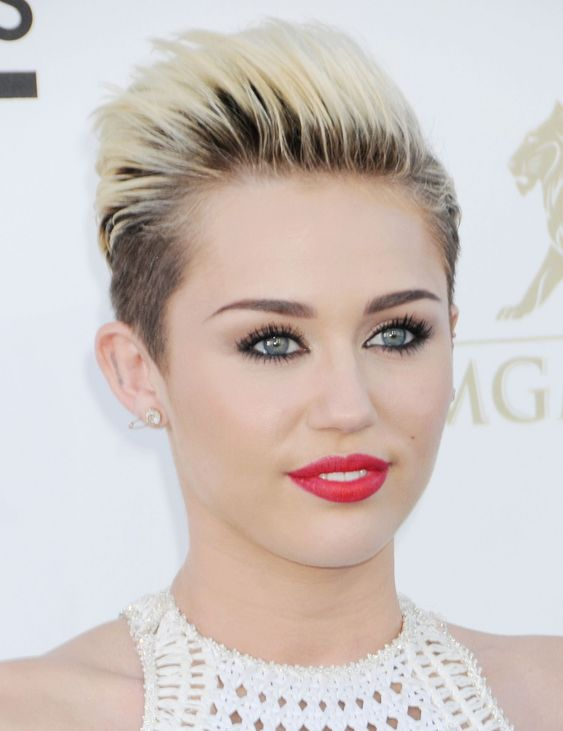 40 Different Types of Short Spiky Haircuts that Look Awesome in 2020 Miley-Cyrus-spiked-hairstyle