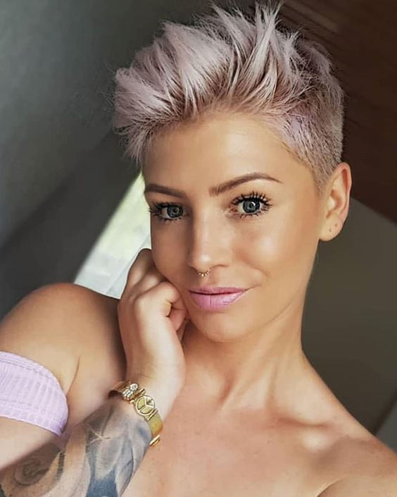 40 Different Types of Short Spiky Haircuts that Look Awesome in 2020 Sassy-spiky-pixie