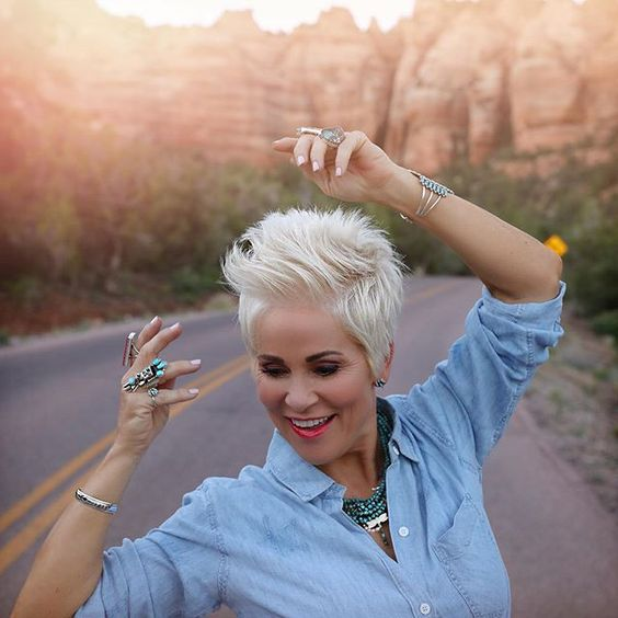 45 Perfect Spiky Hairstyles for Older Women (Updated 2021)