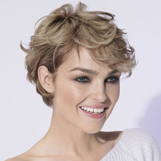 Types of Wedge Haircut Style that Perfect for 2020 and Beyond Wavy-wedge