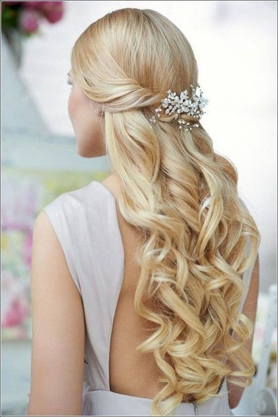 40 Different Types of Wedding Hairstyles that Look Gorgeous Wedding-hairstyles-with-curls
