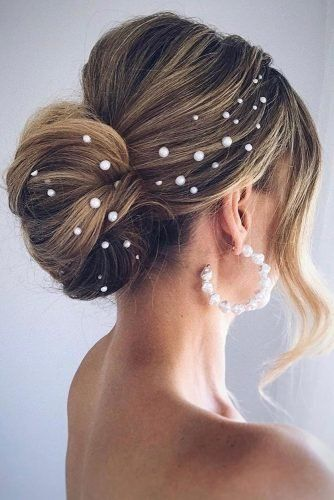 40 Different Types of Wedding Hairstyles that Look Gorgeous Wedding-hairstyles-with-pearls