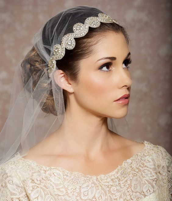 40 Different Types of Wedding Hairstyles that Look Gorgeous Wedding-hairstyles-with-rhinestones-headband