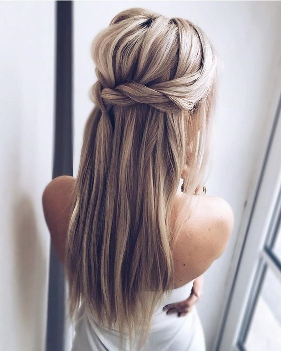 40 Different Types of Wedding Hairstyles that Look Gorgeous Wedding-hairstyles-with-straight-hair