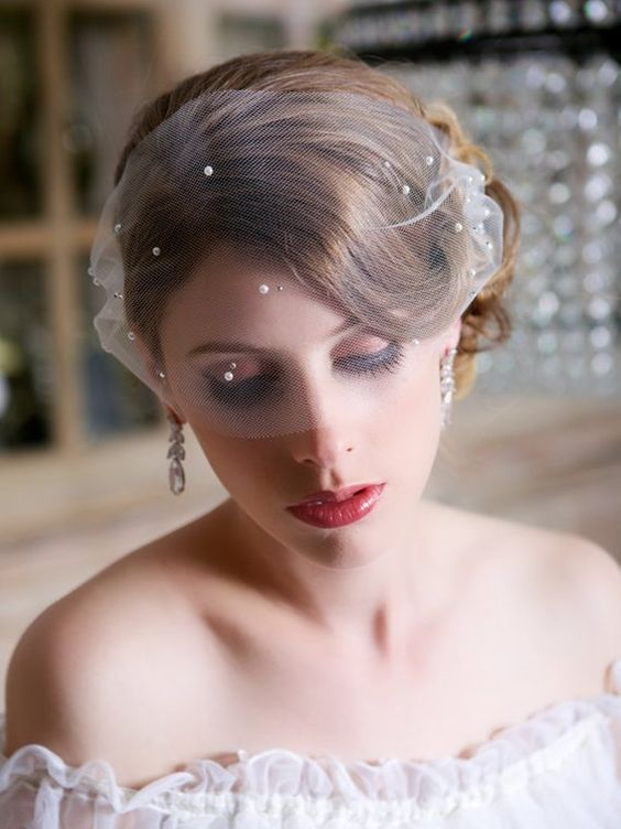 40 Different Types of Wedding Hairstyles that Look Gorgeous Wedding-hairstyles-with-veil-for-short-hair